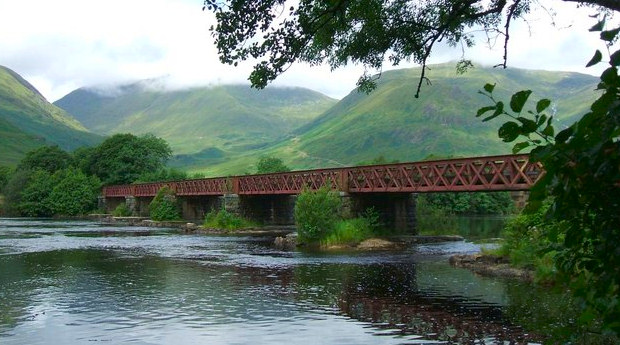 Railway Bridge at Loch Awe, photo by Iain Russell